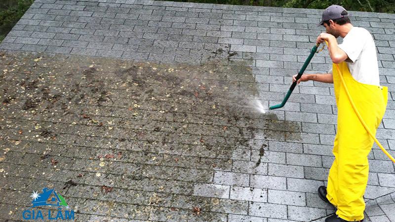 cách tẩy rêu mốc trên nền nhà