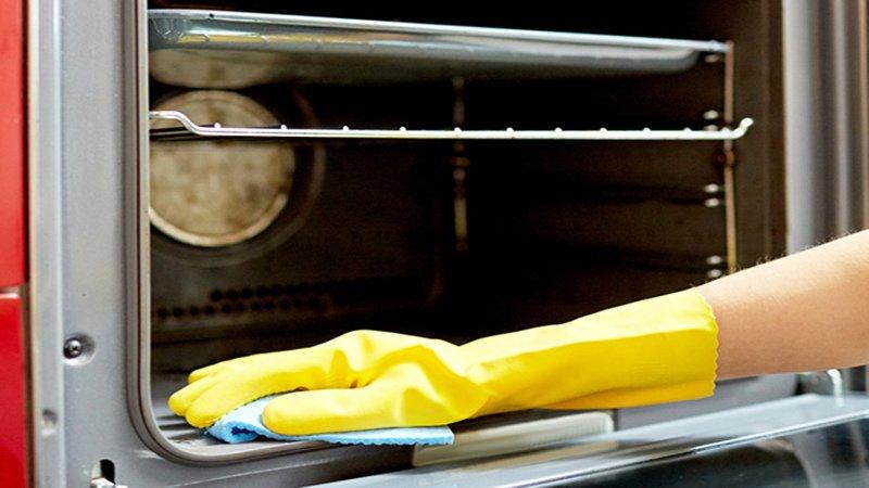 cách vệ sinh lò nướng với bakinh soda