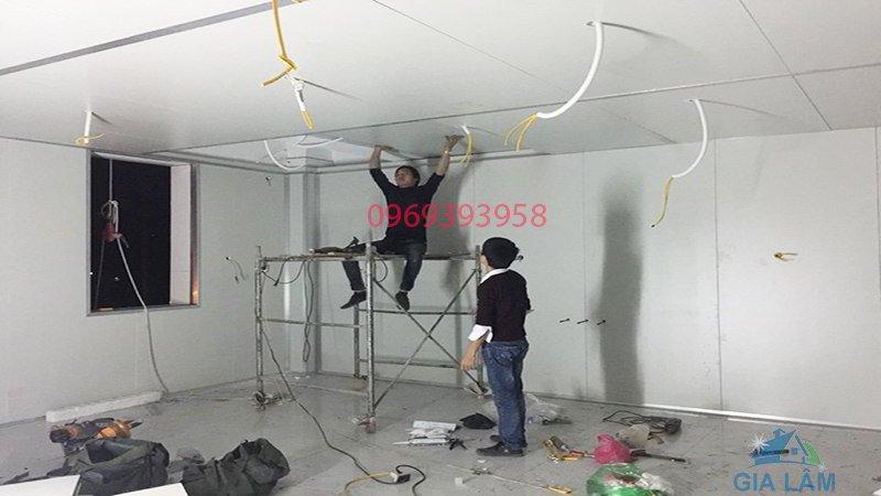 thi công trần panel eps